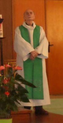 BureauSpy: Photo of the 84 year old catholic priest whose thr...