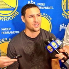 Klay Thompson is at #Warriors HQ talking to the media. Full video coming soon on warriors.com.