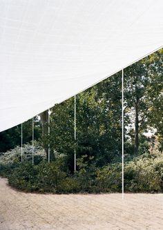 Voici une installation temporaire, réalisée dans le cadre de la Biennale d'architecture de Venise… - #architecture