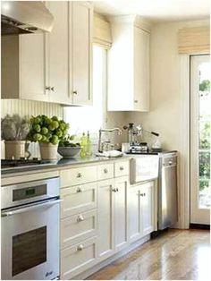small galley kitchen Check more at http://david-hultin.com/7770/small-galley-kitchen