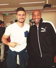 Henry and Giroud Soccer Players, Football Team, Thierry Henry, Giroud, Big Crush, Arsenal Fc, Fa Cup, Premier League, Adidas Jacket