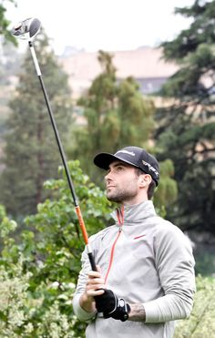 Adam Levine : likes golf? Boo-ya! Another reason for me to love him!