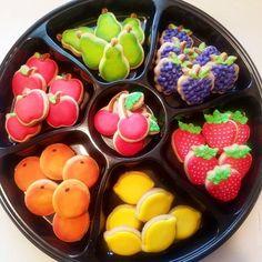 Cookie Decorating, Cookie Frosting, How To Make Cookies, Fruit Salad, Sugar Cookies, Food, Fruit Salads, Essen, Meals