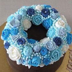 Beautiful Blue Buttercream Flower Cake