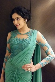 Looking for full sleeve net blouse designs? Here are the most gorgeous 25 latest model that can you wear with any designer and party wear sarees. Full Sleeves Blouse Designs, Netted Blouse Designs, Fancy Blouse Designs, Saree Blouse Designs, Net Saree Designs, Stylish Blouse Design, Stylish Dress Designs, Saris, Net Saree Blouse