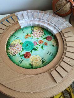 DIY Floral clock made of cardboard