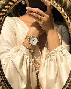 When it comes to watches, I will only wear the ones that are classic and versatile. The one that gives me the control of time and elegance… Classy Aesthetic, Beige Aesthetic, Aesthetic Vintage, Aesthetic Photo, Aesthetic Girl, Aesthetic Fashion, Aesthetic Pictures, Aesthetic Clothes, Ulzzang