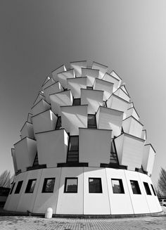 n-architektur:        Torre per Uffici (I) by manuela.martin