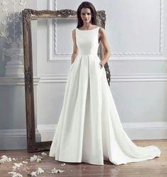 Audrey Hepburn dress<3 Plain, beautiful and simple
