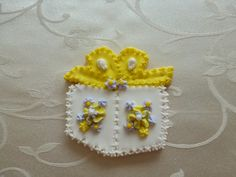 """3"""" birthday gift sugar cookie in yellow"""