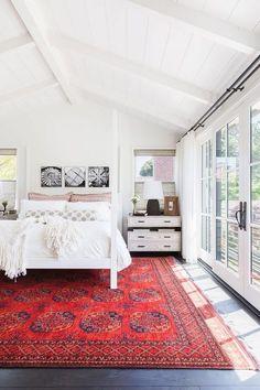 5x het bewijs dat rode vloerkleden prachtig zijn - Alles om van je huis je Thuis te maken   HomeDeco.nl