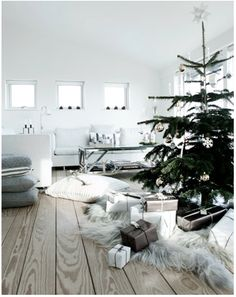 simple white christmas decor