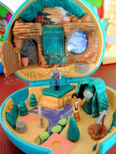 Polly Pocket Pocahontas 1995