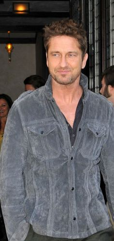 Gerard Butler... Fairly certain that I might be in love with him a little... Wow...