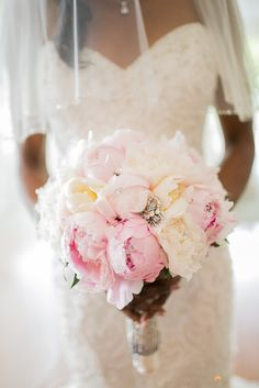 A perfect combination and white and light pink peonies!