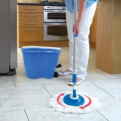 The EasyMop 2-in-1 Twin Spin-Dry Mop System comprises of both a Super Mop and an Intelligent Bucket. With a lightweight stainless steel telescopic handle, the mop head rotates 360 degree and uses thirsty non-drip microfibre strands that suck up 6X more water than traditional cotton mops.