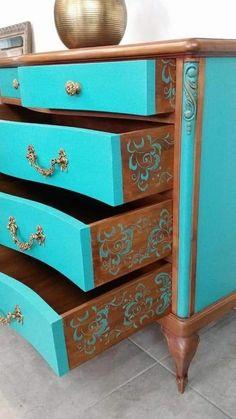 Vintage Painted Furniture Diy Home Decor Ideas For 2019 Hand Painted Furniture, Funky Furniture, Refurbished Furniture, Paint Furniture, Repurposed Furniture, Furniture Projects, Furniture Makeover, Vintage Furniture, Furniture Stores