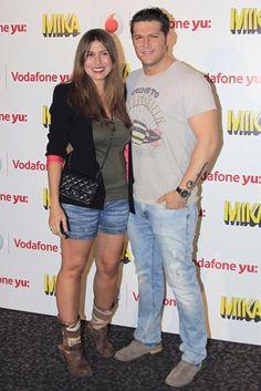 Manu Tenorio y Silvia Casas reaparecen, tras haber sido padres, en el concierto de Mika en Madrid