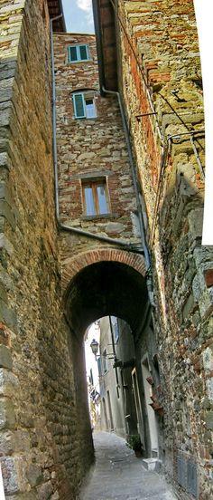 LUCIGNANO (Toscana) - Italy - by Guido Tosatto Arezzo