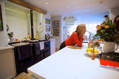 Client enjoying her SieMatic BeauxArt.02 kitchen