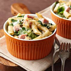our recipes for you and a guest—they're all under 400 calories per serving! Ham and Spinach Two-Cheese Pasta.Healthy Recipes for TwoHam and Spinach Two-Cheese Pasta.Healthy Recipes for Two Healthy Meals For Two, Easy Meals, Healthy Eating, Dinner Healthy, Nutritious Meals, Easy Recipes For Two, Free Recipes, Healthy Summer, Healthy Options