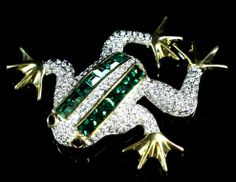 Vintage Couture Paved Clear/Emerald Crystal Rhinestone Figural Frog Toad Brooch