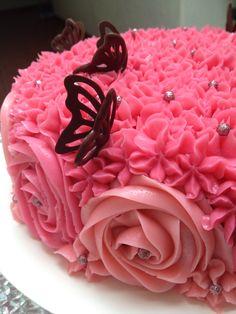 Buttercream flowers by Arte, amor y sabor repostería personalizada flower noozle