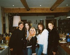 Discovered by emma Find images and videos about one direction, louis tomlinson and family on We Heart It - the app to get lost in what you love. Louis Tomlinson Family, Louis Tomlinson Sisters, Daisy Tomlinson, Lottie Tomlinson, Liam Payne, Charlotte Tomlinson, Felicite Tomlinson, Louis Tomlinsom, Louis And Harry