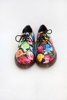 #shoes #rose #flower #trend #romantic #accessories Doc Martens Oxfords, Oxford Shoes, Romantic, Flower, Rose, Accessories, Fashion, Moda, Pink
