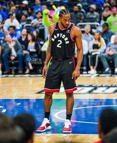 Basketball Legends, Sports Basketball, College Basketball, Basketball Players, Basketball Room, Sports Jerseys, Nba Pictures, Basketball Pictures, Top Nba Players