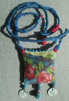 "Bijou textile. Esprit ""Bobo, ethno, chic"" Design by Véronïk B"