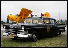 1957 Ford Intercepter, Santa Cruz County California Sheriff's Department.....