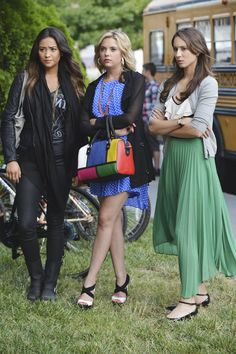 Pretty Little Liars   Photos   First Look At The Winter Premiere!