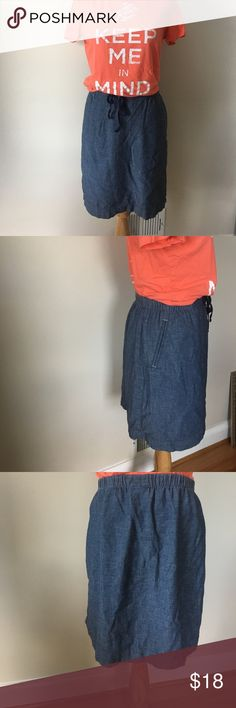 J.Jill denim medium skirt EUC Casual denim skirt from J.Jill denim.  This is a medium with two front slit pockets, elastic waistband with a drawstring.  Soft and lightweight 100% cotton material.  Modest length and easy style.  Perfect for travel. J. Jill Skirts A-Line or Full