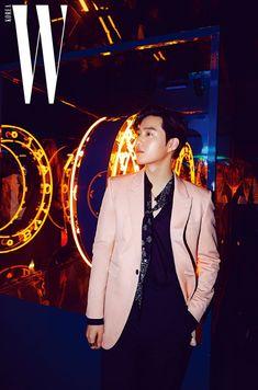 W Korea Official Website. Suho for W Korea on 2019 April issue Suho Exo, Kaisoo, K Pop, Kim Joon Myeon, Exo Official, Exo Korean, Hip Hop And R&b, Exo Members, Asian Style