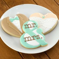 Ampersand cookie for bride and groom. Great for weddings or possibly modified for Valentine's Day.