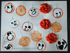 sweet and lovely crafts: toilet paper stamped pumpkins
