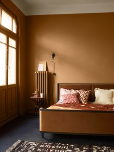White Interior Doors, Interior Walls, Interior Design, Interior Ideas, Home Living, Living Room, Victorian Front Doors, Apartment Color Schemes, Exterior Doors With Glass
