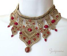 collier cou de reine sable et rouge 1