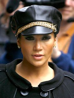 Jennifer Lopez Hairstyles - October 9, 2007 - DailyMakeover.com