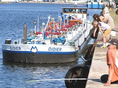"""Automoteur """"Didier"""" (armement Mahieu) dans le port du Havre"""