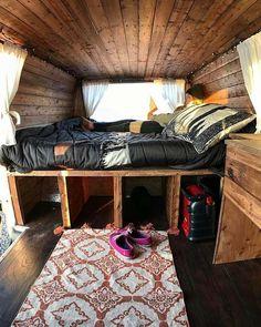 Vintage And Cheerful Camper Van Interior Ideas 27