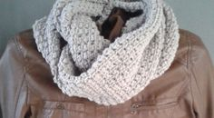 Crochet Cardigan, Crochet Scarves, Crochet Shawl, Crochet Clothes, Filet Crochet, Diy Crochet, Crochet Hooks, Chrochet, Loom Knitting