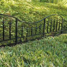 Charmant Set Of Three Classic Garden Edging