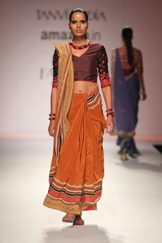 #AIFW #AW15 #AIFWAW15 #IndianFashion #TanviKedia #Jama #Ethnic #Earthy #Orange #Embroidery #Colours #Silk #Warm #Intricate #Detailing