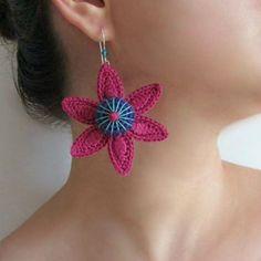 SEA STAR Cotton yarn crochet earrings magenta by GiadaCortellini, - DIY Crafts Love Crochet Jewelry Patterns, Crochet Earrings Pattern, Crochet Accessories, Crochet Necklace, Fabric Earrings, Diy Earrings, Textile Jewelry, Fabric Jewelry, Jewellery