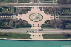 The Clarence Buckingham Memorial Fountain in Grant Park, Chicago.
