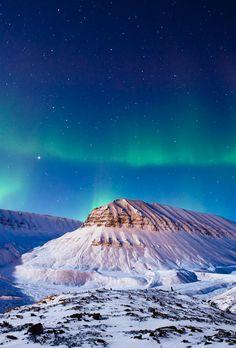 tr3slikes:500px / Polar lights over Svalbard by Max Edin