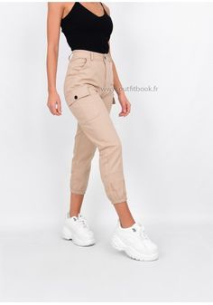 Pantalon cargo slim fit beige - OUTFITBOOK Jeans Cargo, Beige, Jean Outfits, Capri Pants, Khaki Pants, Slim, Fitness, Style, Ideas