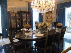 Outro ângulo da sala de jantar em Graceland                                                                                                                                                                                 Mais